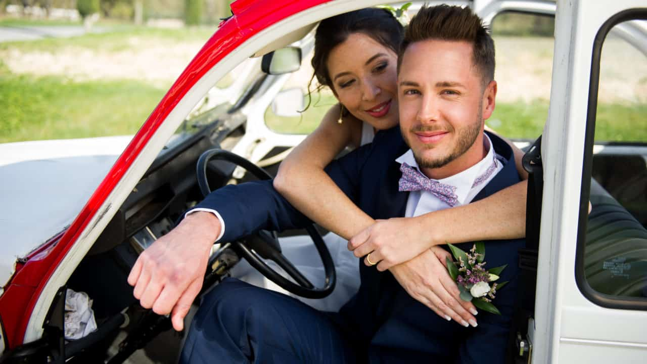 Couple mariage voiture vintage My Green Event