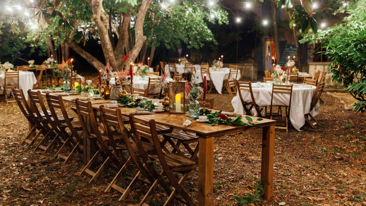 Tables bois mariage exterieur My Green Event